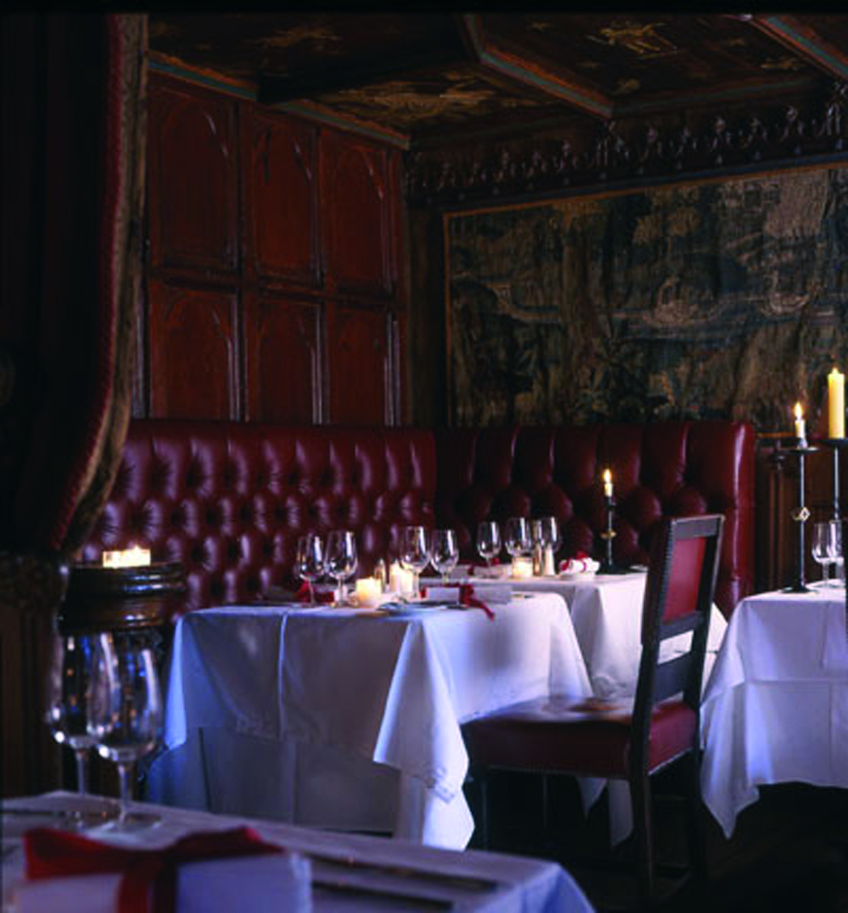 Gallery the witchery edinburgh for Dining room reigate